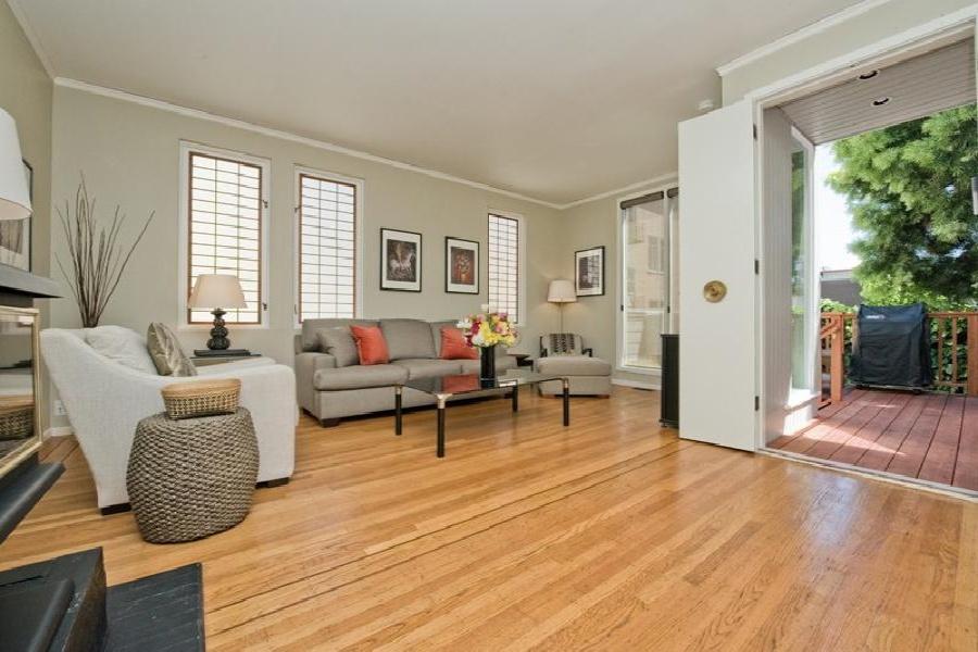 5 Genoa, San Francisco, California, United States 94133, 1 Bedroom Bedrooms, ,1 BathroomBathrooms,House,Furnished,Upper Unit,Genoa,2,1175
