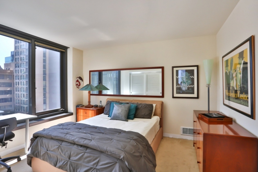 2 Bedroom/2 Bathroom condo at New Montgomery! Features: stainless steel appliances, granite counters, ceiling fan, desk, cherry wood floors, marble tiling, state-of-the art A/V system with surround sound, master with custom built-Italian queen bed and side tables, ensuite bath, walk-in closets, and twin bed that converts into sofa.  Amenities include: 24-hour attendant, bike parking, and roof deck with BBQ, gas fire pit and panoramic city views.  With a 94 Walk Score, this location offers easy access to FiDi, Union Square, the Embarcadero as well as San Francisco\'s world-class sports arenas. No parking.